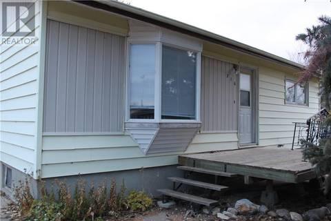 House for sale at 216 5th Ave E Gravelbourg Saskatchewan - MLS: SK796828