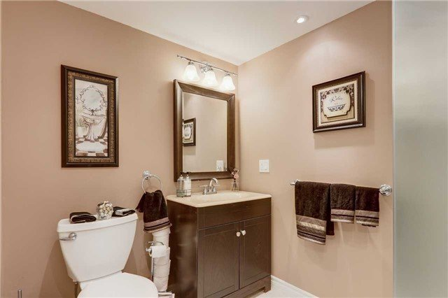 For Sale: 216 Carol Avenue, Newmarket, ON   3 Bed, 2 Bath House for $849,000. See 20 photos!