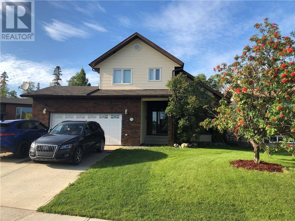 216 Torrie Crescent, Fort Mcmurray | Image 2