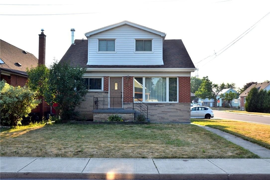 House for sale at 216 Walter Ave S Hamilton Ontario - MLS: H4082315