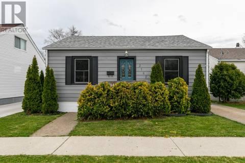 House for sale at 2162 Wellesley  Windsor Ontario - MLS: 19016626