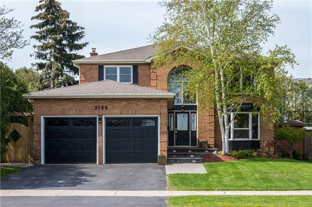For Sale: 2164 Headon Forest Drive, Burlington, ON | 4 Bed, 4 Bath House for $979,900. See 18 photos!