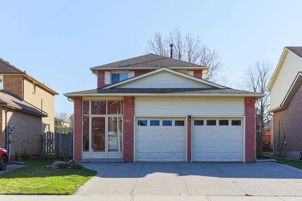 For Rent: 2164 Madden Boulevard, Oakville, ON | 3 Bed, 3 Bath House for $3000.00. See 28 photos!