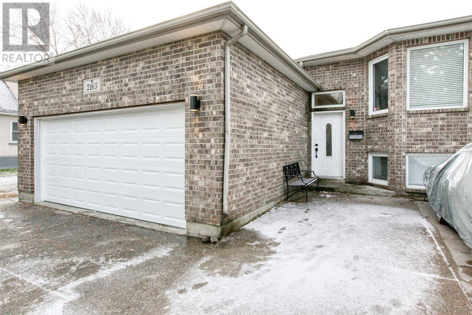 House for sale at 2165 Dominion  Windsor Ontario - MLS: 20000411