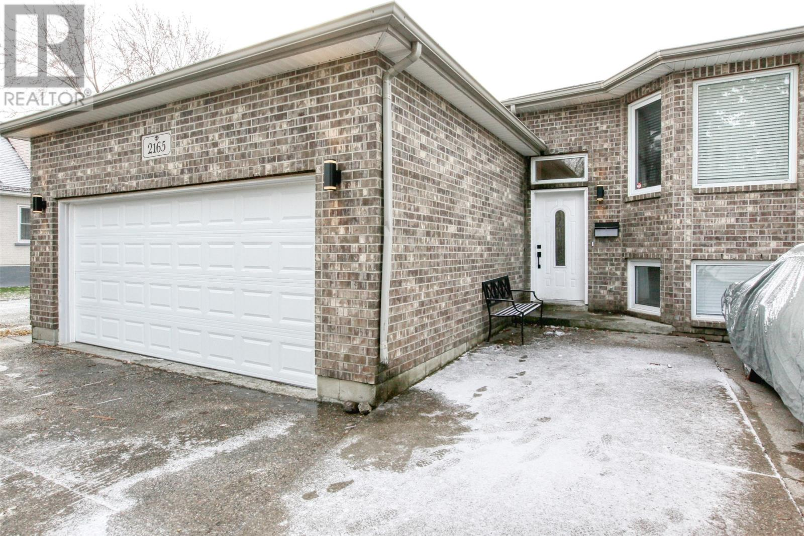 Removed: 2165 Dominion, Windsor, ON - Removed on 2020-01-21 23:45:26