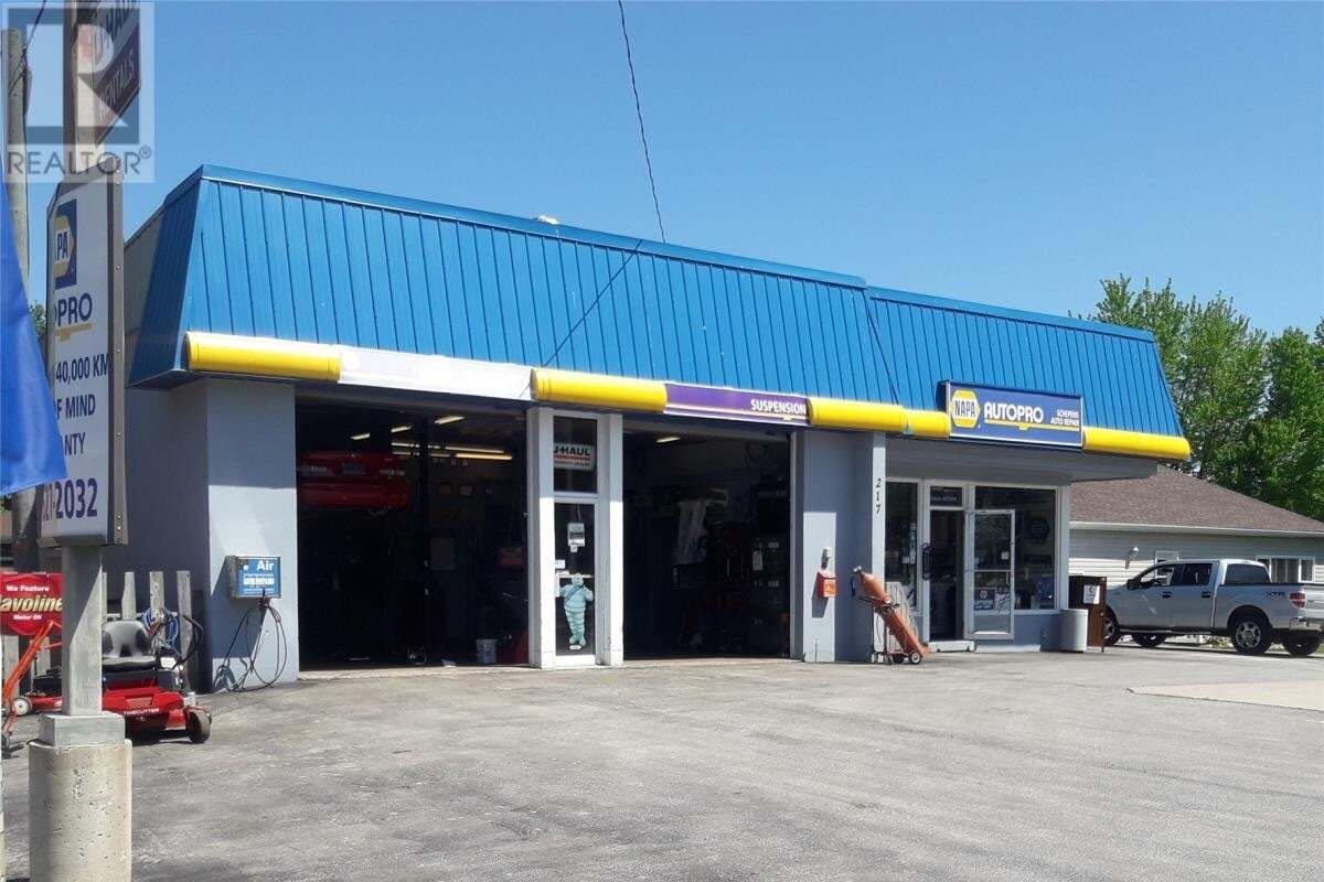 Commercial property for sale at 217 Margaret Ave Wallaceburg Ontario - MLS: 20008549