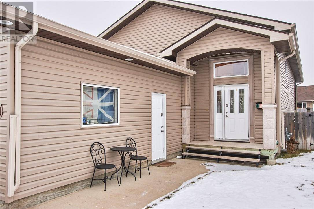 House for sale at 217 5 Ave Sw Redcliff Alberta - MLS: mh0185292
