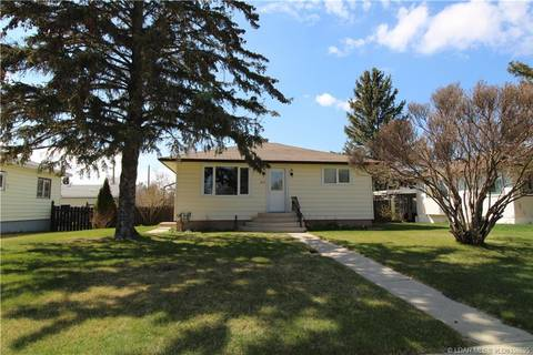 House for sale at 217 9 St Vauxhall Alberta - MLS: LD0158695