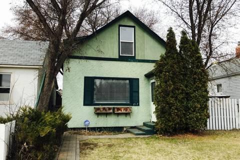 House for sale at 217 L Ave N Saskatoon Saskatchewan - MLS: SK803738