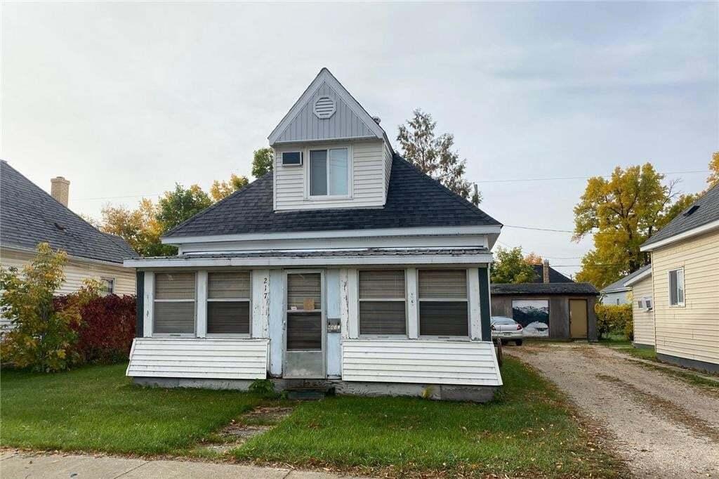 House for sale at 217 Lorne Ave Portage La Prairie Manitoba - MLS: 202024535