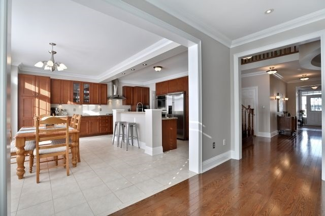 For Sale: 2176 Colenel William Parkway, Oakville, ON | 4 Bed, 5 Bath House for $1,499,900. See 20 photos!