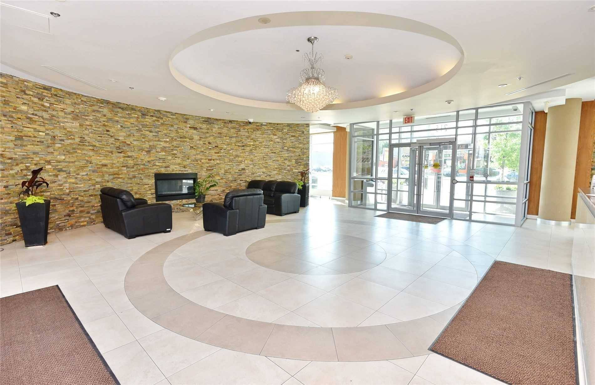 Apartment for rent at 215 Queen St Unit 218 Brampton Ontario - MLS: W4687539