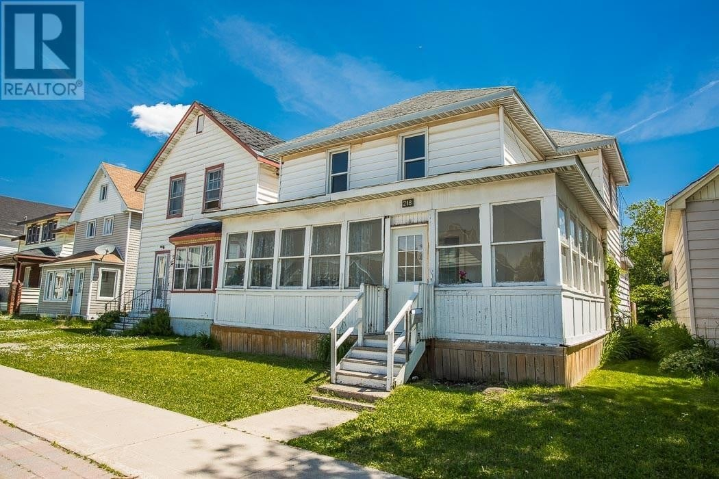 Townhouse for sale at 218 Gloucester St Sault Ste. Marie Ontario - MLS: SM129006