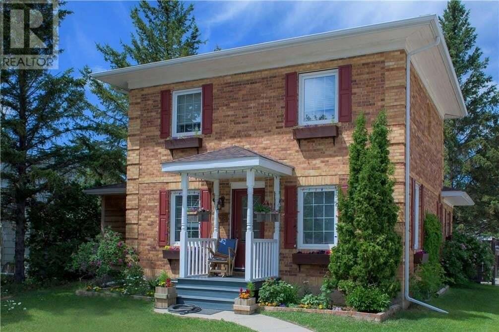 House for sale at 218 Main St Gravelbourg Saskatchewan - MLS: SK815727
