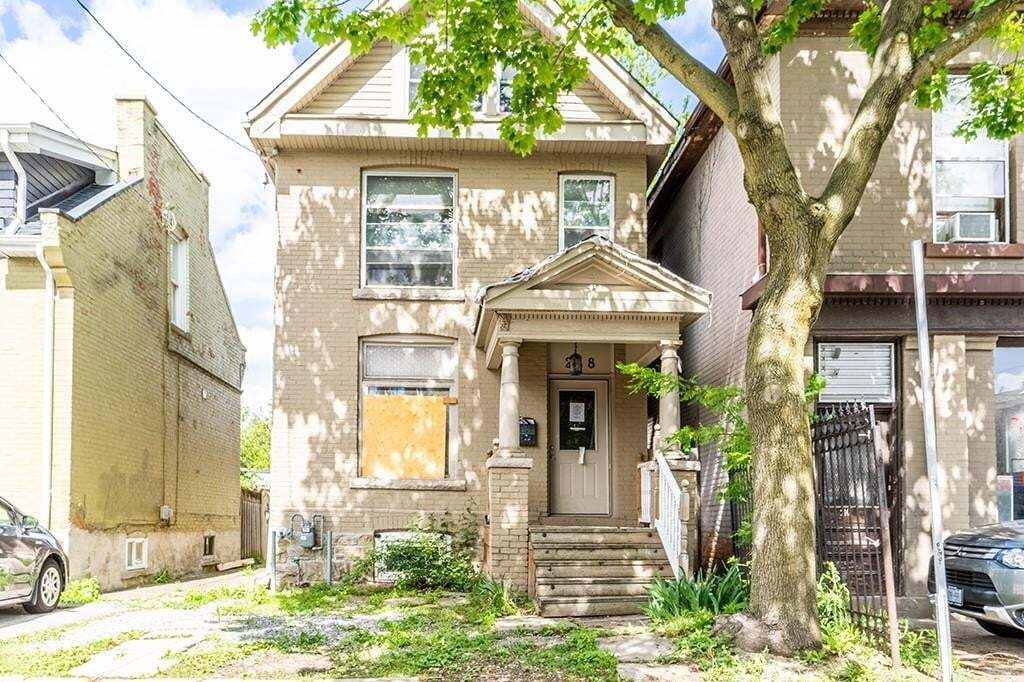 House for sale at 218 Queen St S Hamilton Ontario - MLS: H4079056