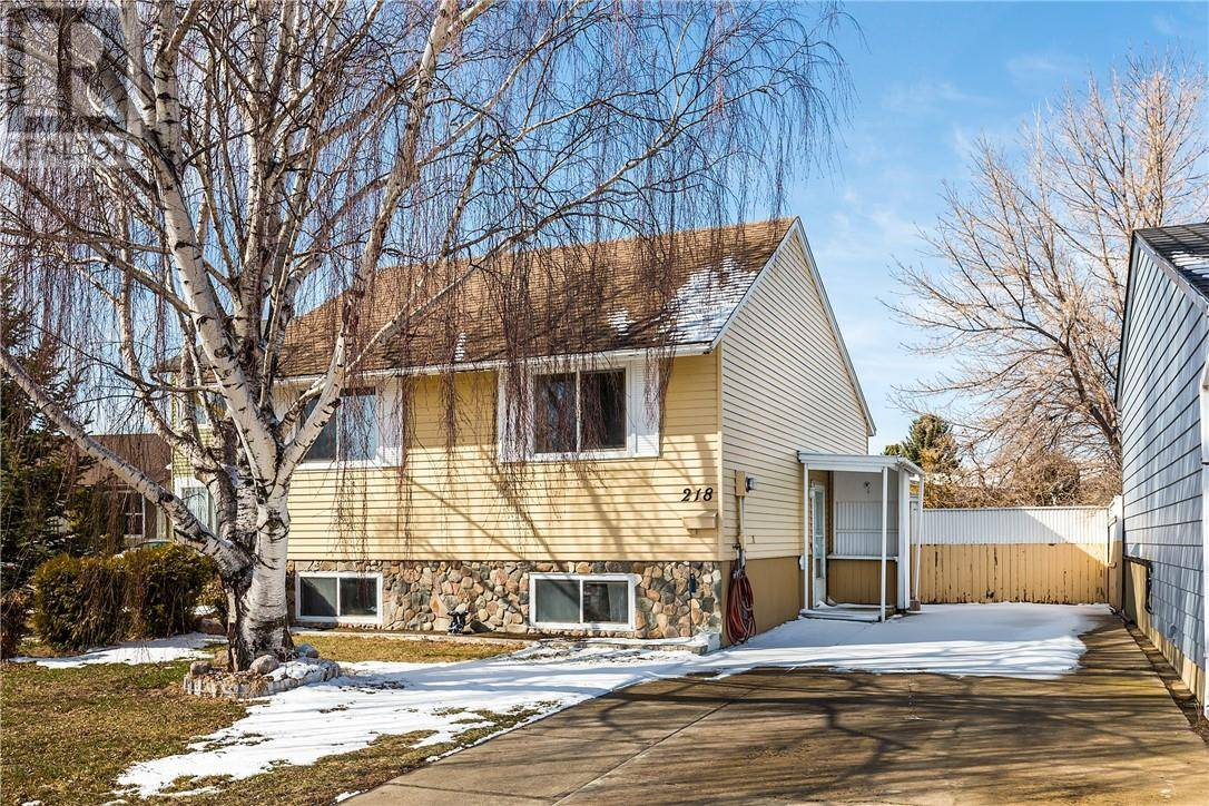 House for sale at 218 Stafford By N Lethbridge Alberta - MLS: ld0192033