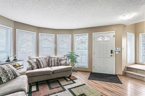 House for sale at 218 Taravista St NE Calgary Alberta - MLS: A1042188