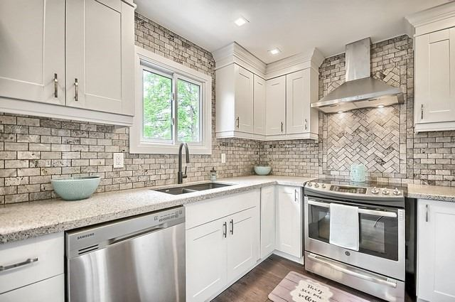 For Sale: 218 Yorkshire Drive, Newmarket, ON | 3 Bed, 4 Bath House for $824,999. See 20 photos!
