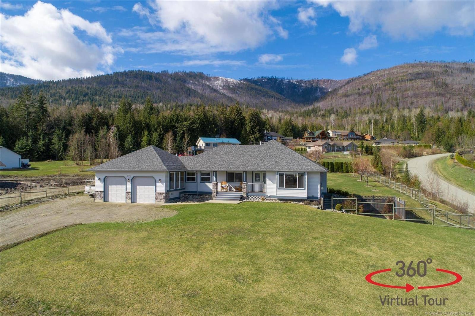 House for sale at 2180 Country Woods Rd Sorrento British Columbia - MLS: 10202526