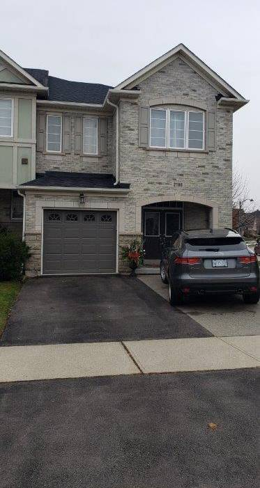 Townhouse for rent at 2180 Whitworth Dr Oakville Ontario - MLS: H4070243