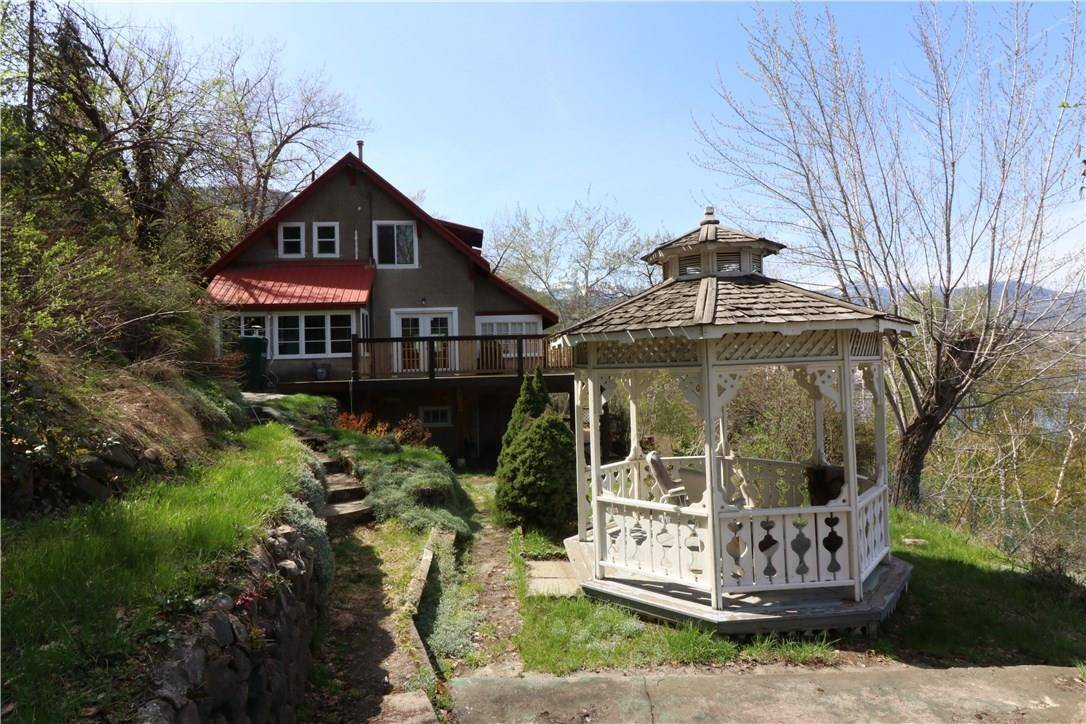 House for sale at 2183 Topping St Trail British Columbia - MLS: 2437101