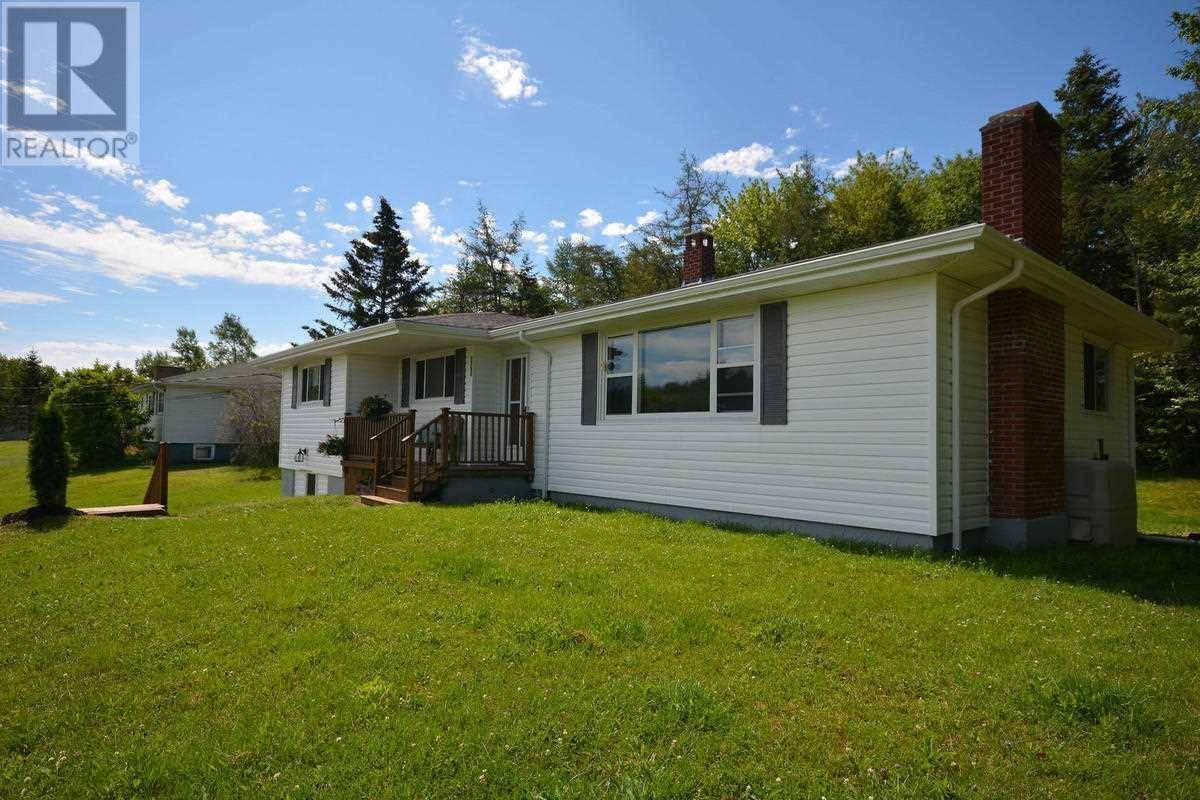 House for sale at 2188 Sackville Dr Upper Sackville Nova Scotia - MLS: 202001031