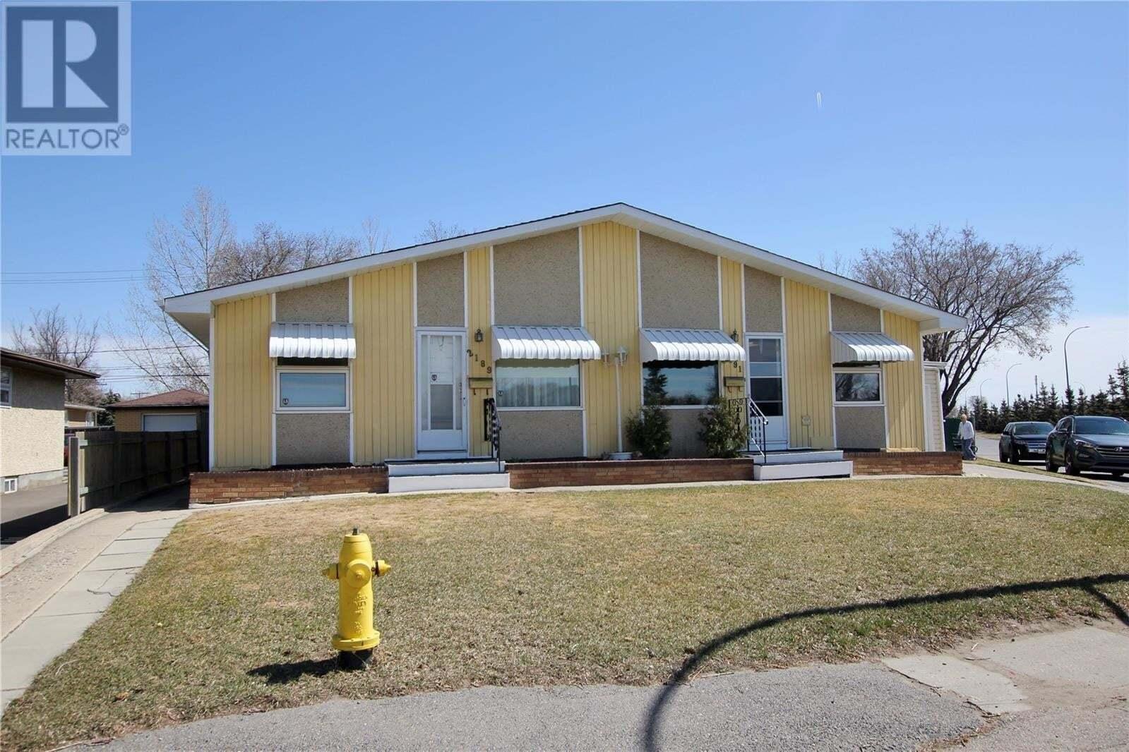 Townhouse for sale at 2189/2191 Embury St Regina Saskatchewan - MLS: SK827625