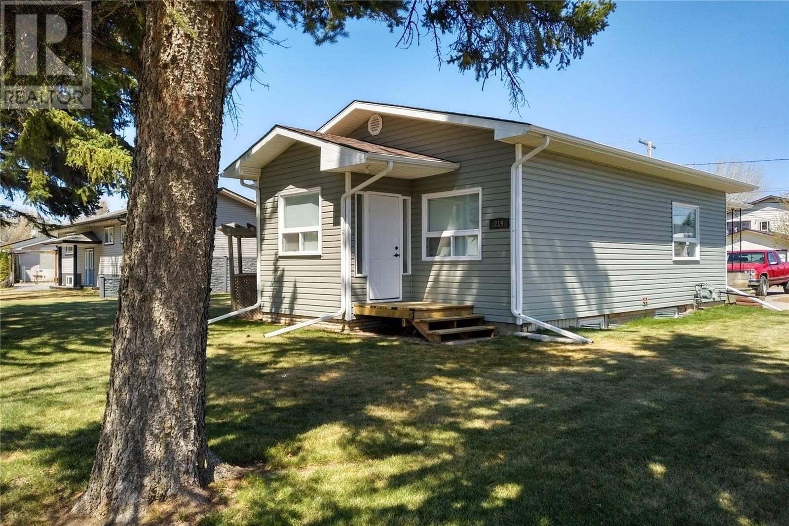 House for sale at 219 1st St E Langham Saskatchewan - MLS: SK827465