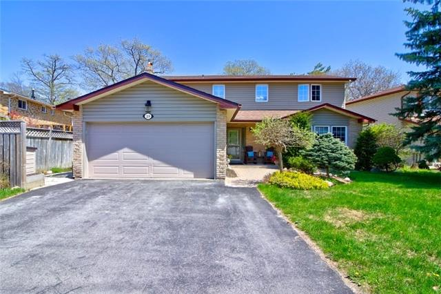 For Sale: 219 Anne Street, Barrie, ON | 4 Bed, 4 Bath House for $569,000. See 20 photos!