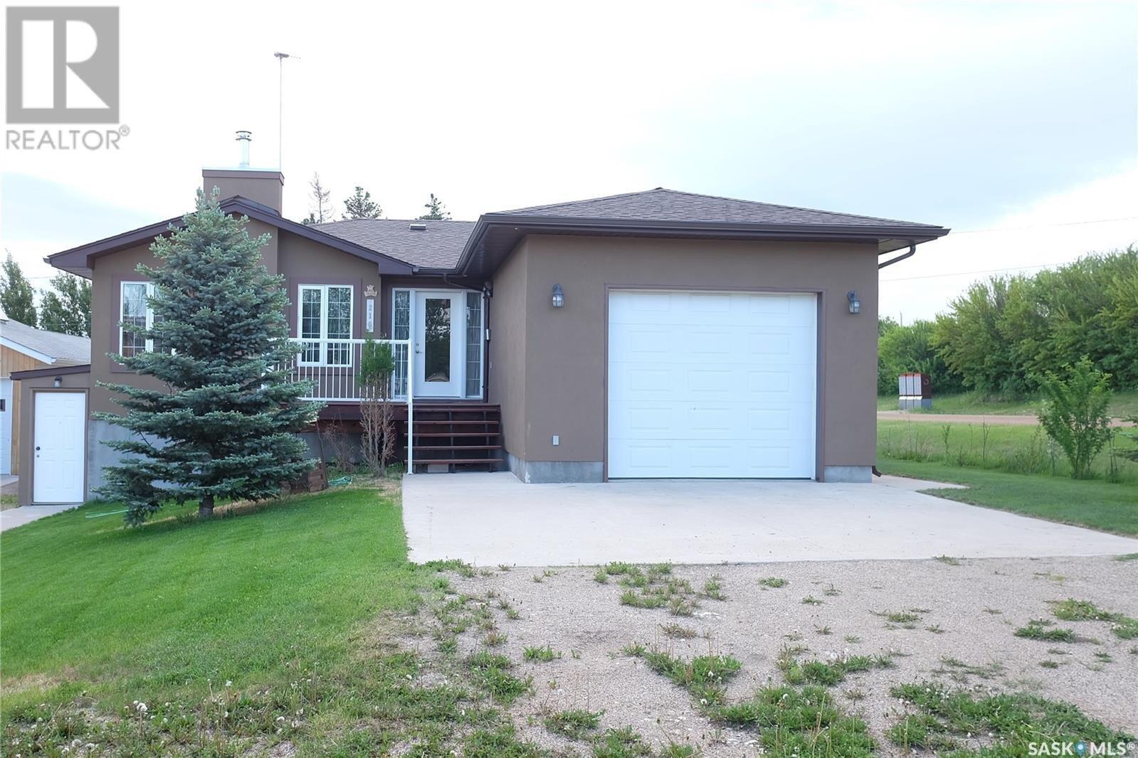 House for sale at 219 Charles St Manitou Beach Saskatchewan - MLS: SK824642