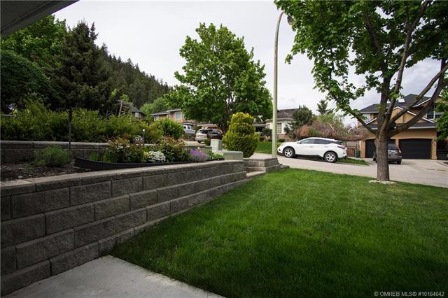For Sale: 219 Crossridge Crescent, Kelowna, BC | 4 Bed, 3 Bath House for $649,900. See 42 photos!