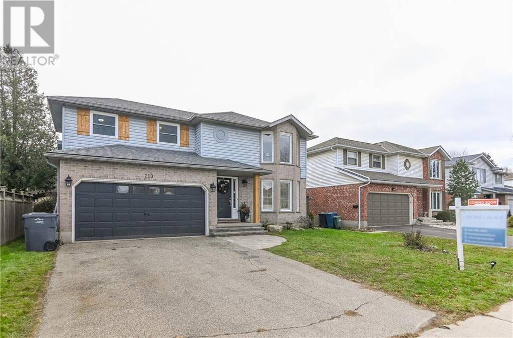 House for sale at 219 Elmira Rd South Guelph Ontario - MLS: 30780397