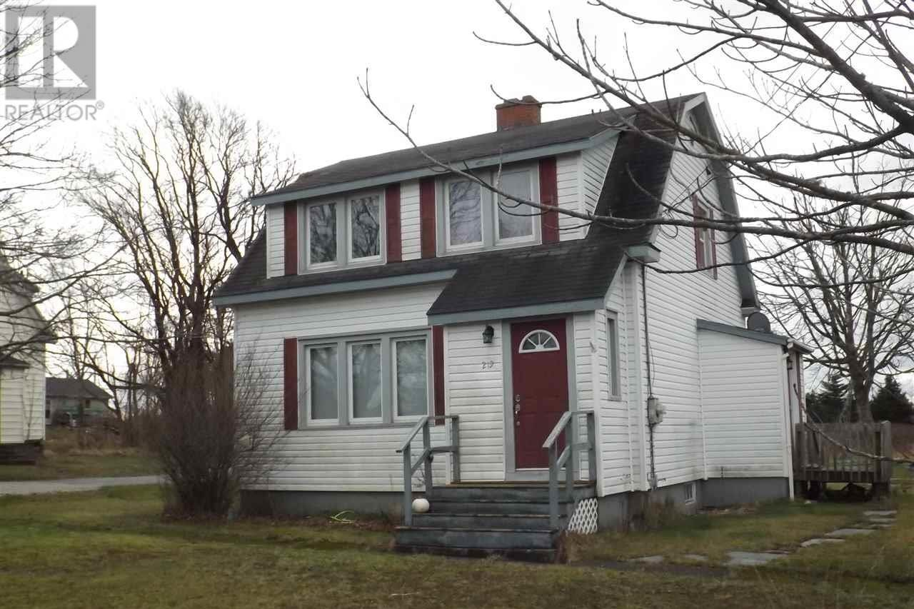 House for sale at 219 Forest St Yarmouth Nova Scotia - MLS: 202025246