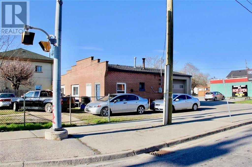 Home for sale at 219 Market St Brantford Ontario - MLS: 30777559