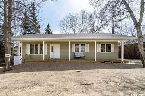 House for sale at 219 Parkview Rd Buffalo Pound Lake Saskatchewan - MLS: SK804459