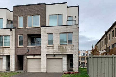 Townhouse for sale at 219 Sabina Dr Oakville Ontario - MLS: W4614116