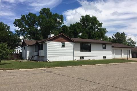 House for sale at 219 Third St E Carnduff Saskatchewan - MLS: SK803074