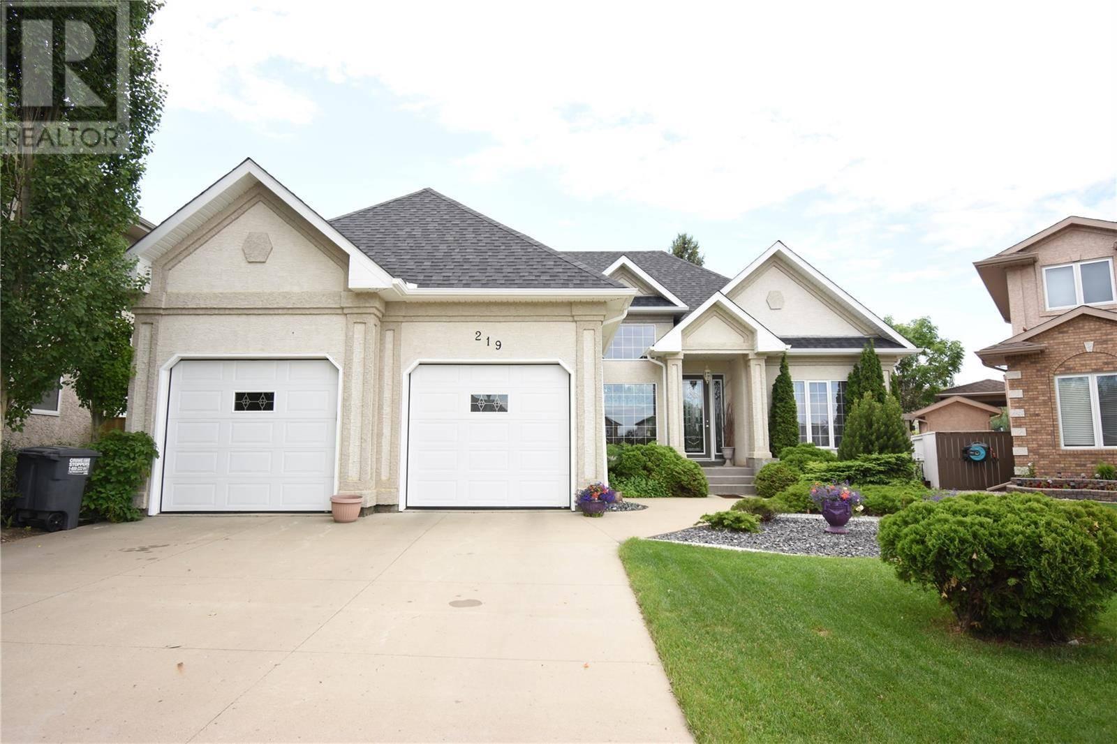 House for sale at 219 Wright Cres Saskatoon Saskatchewan - MLS: SK773584