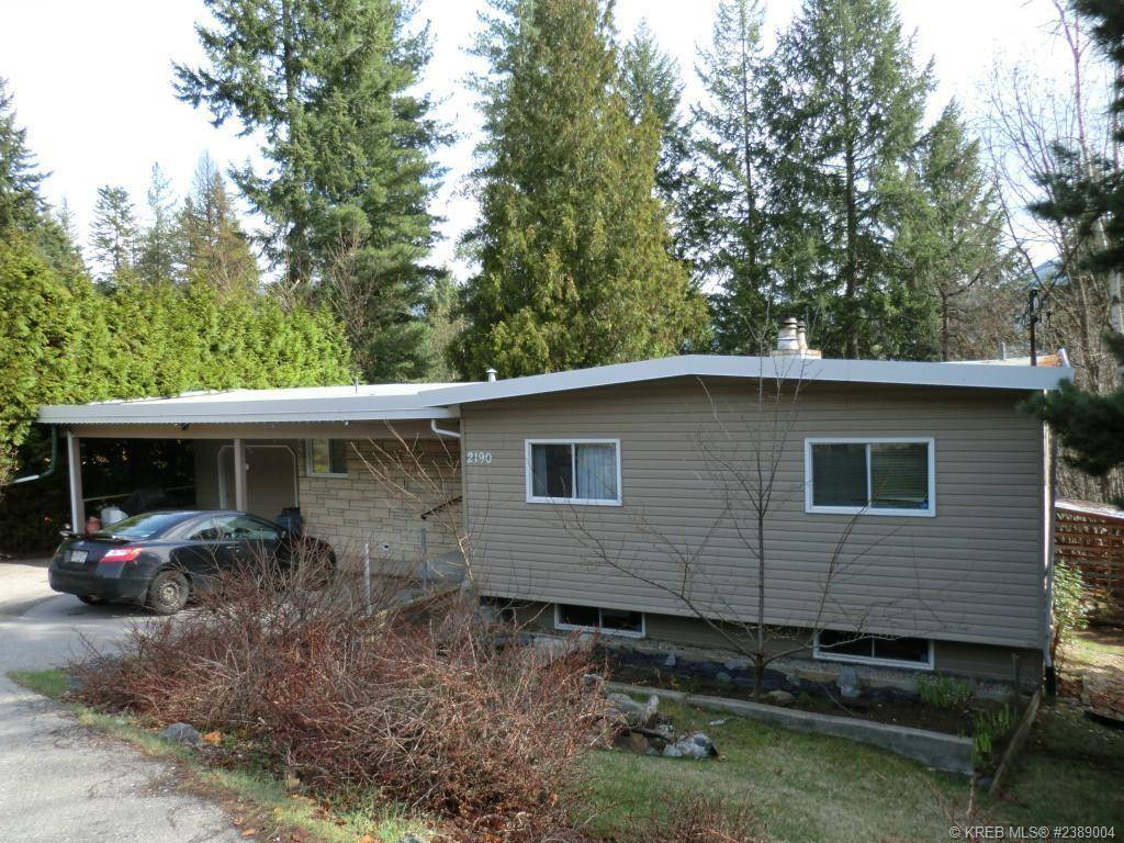 House for sale at 2190 Crestview Crescent  South Castlegar British Columbia - MLS: 2441936
