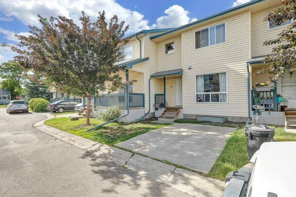 Townhouse for sale at 10909 106 St Nw Unit 22 Edmonton Alberta - MLS: E4173805