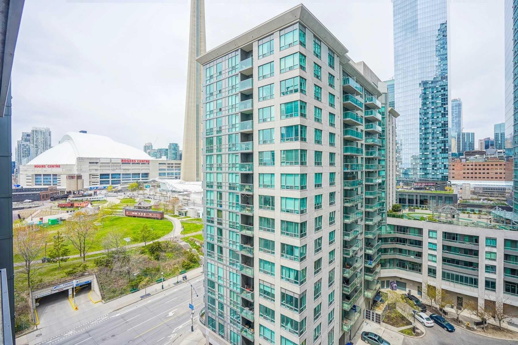Lower Simcoe Condos: 25 Lower Simcoe Street, Toronto, ON
