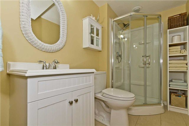 For Sale: 22 - 5490 Glen Erin Drive, Mississauga, ON   3 Bed, 4 Bath Condo for $769,000. See 19 photos!