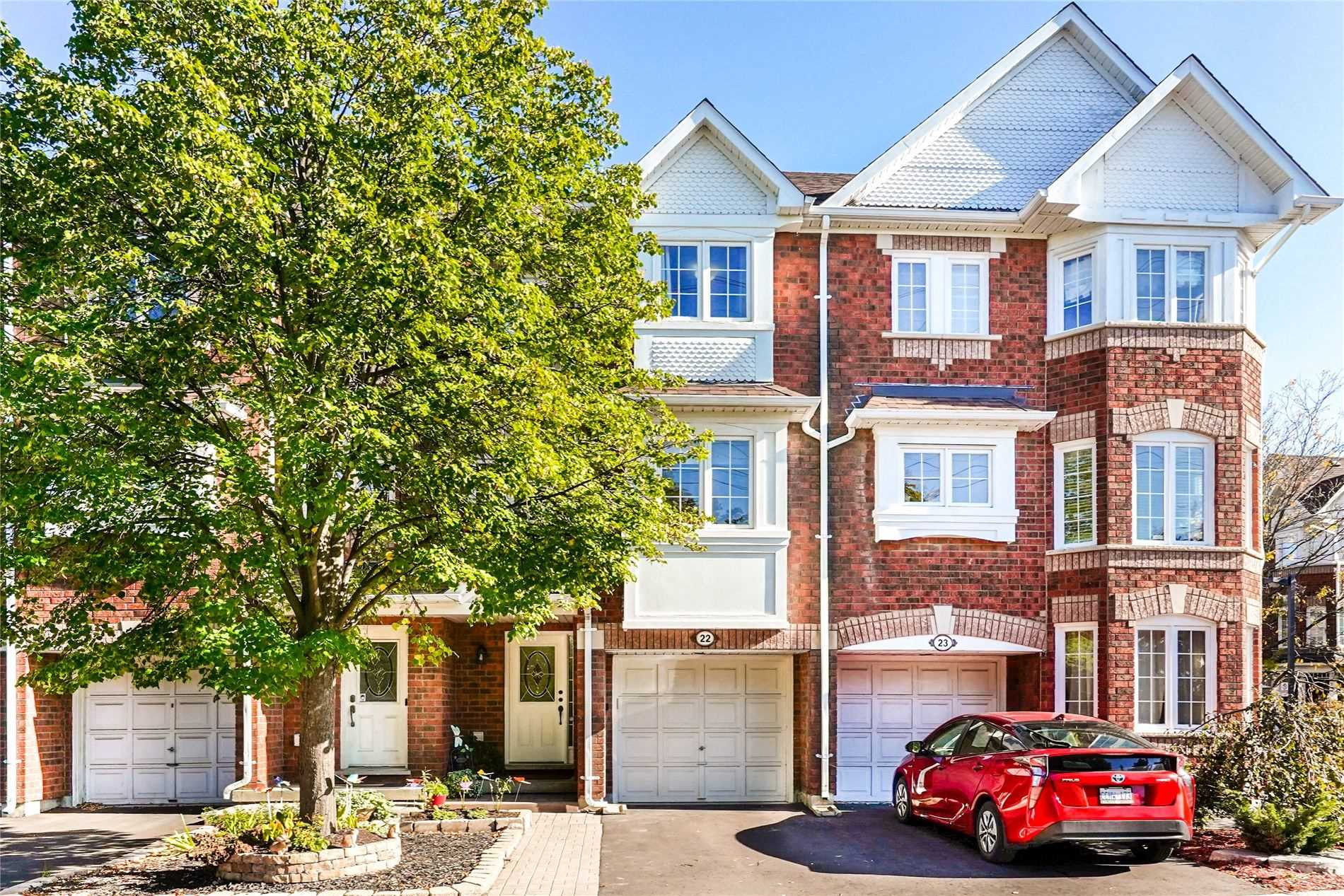 For Sale: 22 - 6060 Snowy Owl Crescent, Mississauga, ON | 3 Bed, 3 Bath Townhouse for $689900.00. See 31 photos!