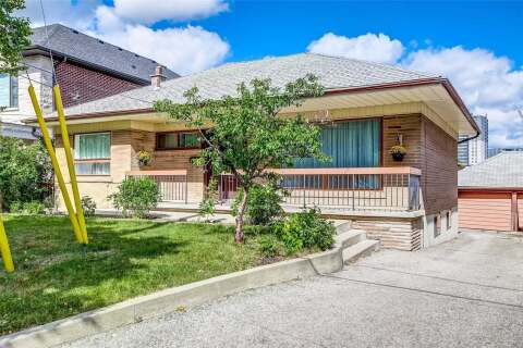 House for sale at 22 Arrowsmith Ave Toronto Ontario - MLS: W4919986