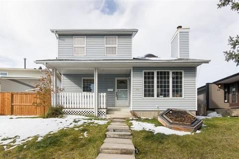 House for sale at 22 Bedford Circ Northeast Calgary Alberta - MLS: C4271557