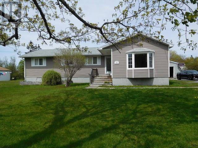 House for sale at 22 Elm St Yarmouth Nova Scotia - MLS: 202001066