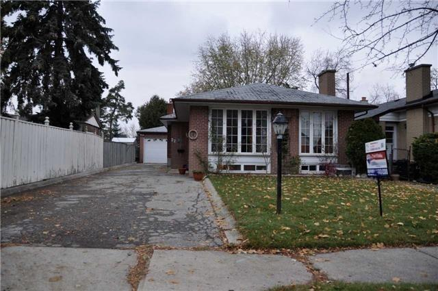 For Sale: 22 Hallow Crescent, Toronto, ON | 3 Bed, 2 Bath House for $777,000. See 17 photos!