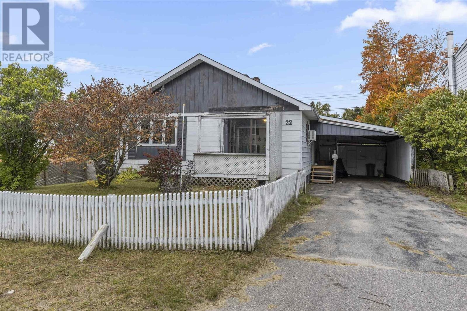 House for sale at 22 Hart Rd Elliot Lake Ontario - MLS: SM130238