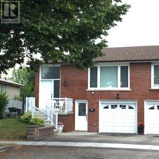 Townhouse for sale at 22 Petworth Cres Toronto Ontario - MLS: E4547223