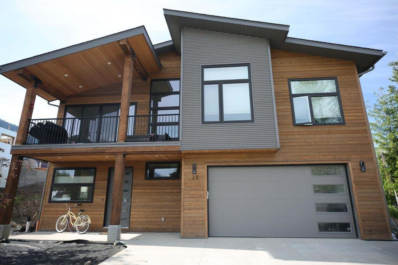 House for sale at 22 Piedmont Dr Fernie British Columbia - MLS: 2453024
